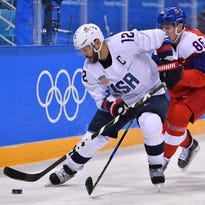 Brian Gionta signs with Boston Bruins