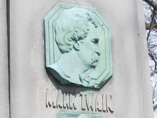 Detail of the grave marker of Mark Twain and Ossip