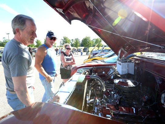 Hundreds of cars participate the 16th Annual Cool City