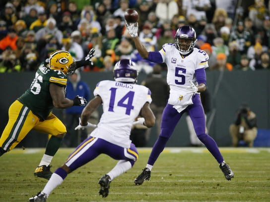 Vikings Packers Football (3)
