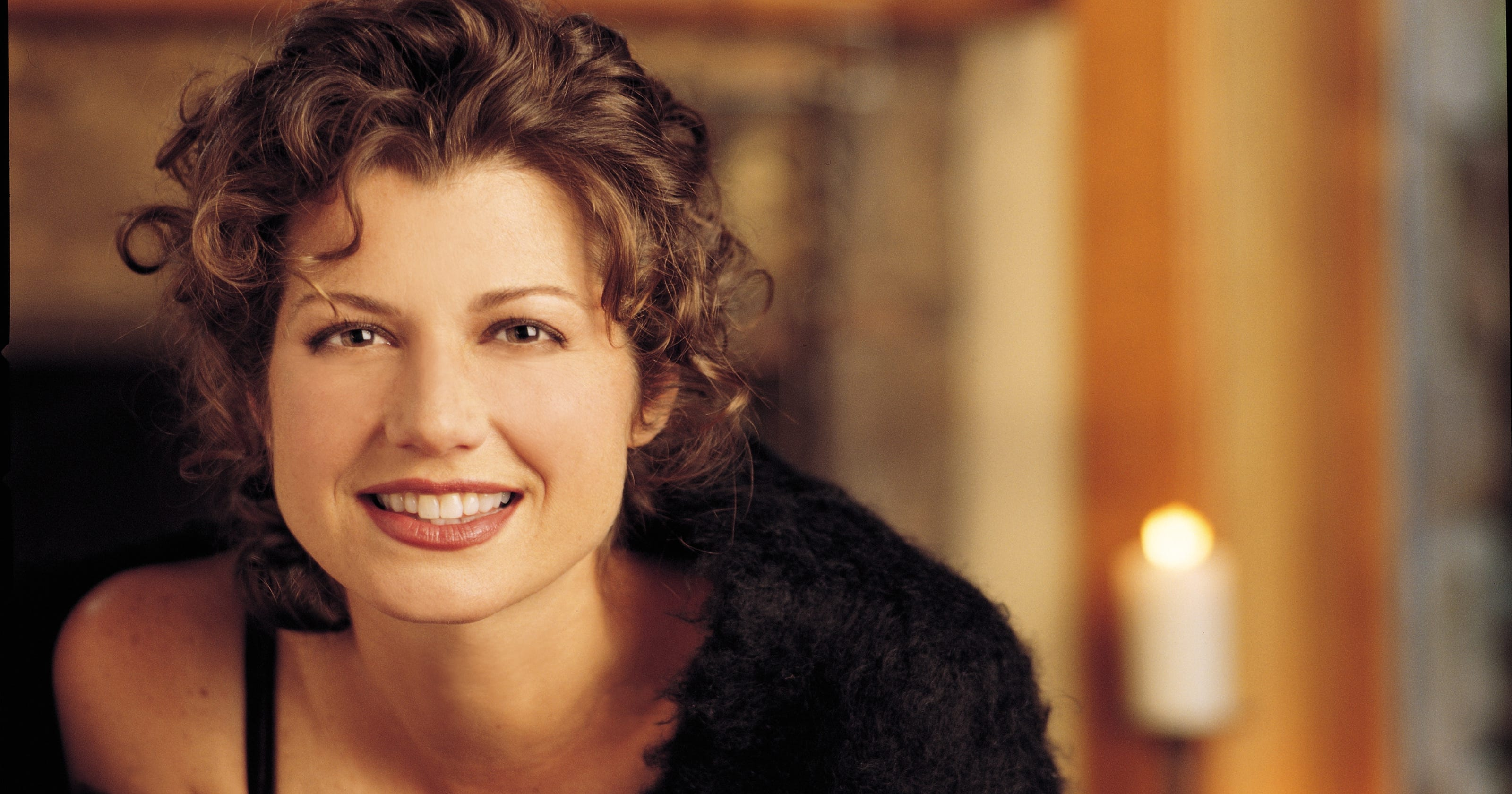 Amy Grant captures Christmas in Music Hall