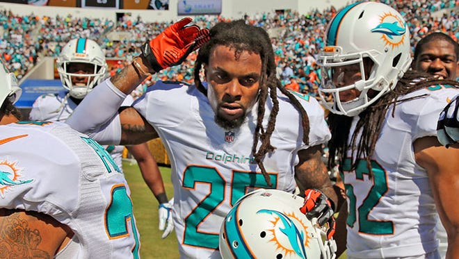Dolphins safety Louis Delmas