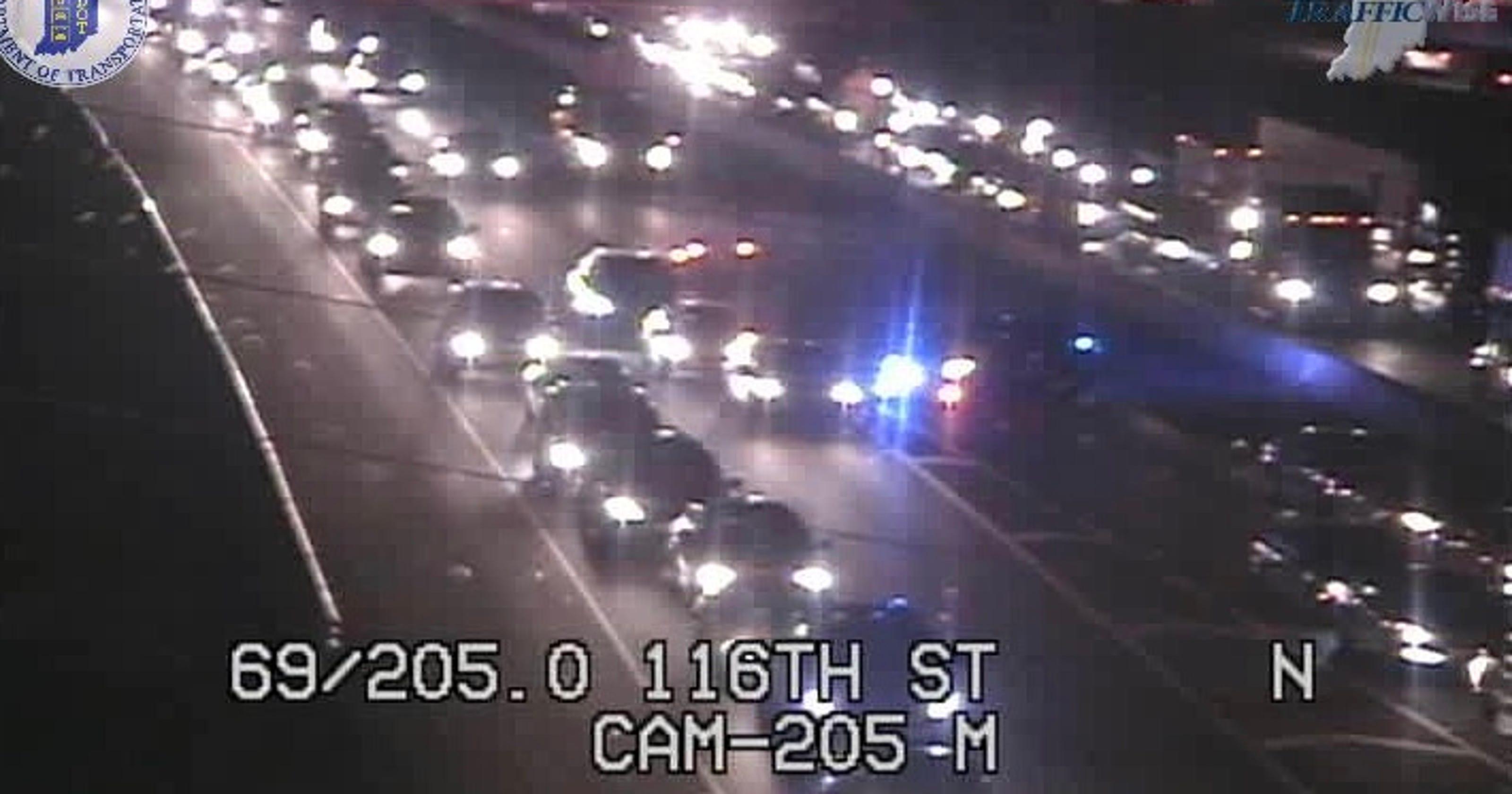 Crash closes I-69 south near 116th