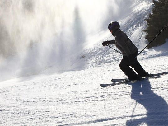 2015-12-26-JA-mellen-snowmaking-guests-win-scenics042