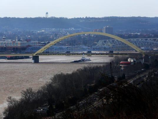 636547240715797715-003Flooding-Ohio-River.JPG