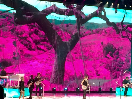 The graphics for the Dixie Chicks' stage production