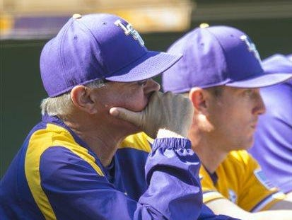 LSU head coach Paul Mainieri saw his team drop its second consecutive SEC series on Saturday.