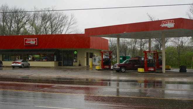 The Delta Mart, located on the corner of Hartsville Pike and Cairo Road in Gallatin, was robbed shortly after midnight Thursday, March 24.