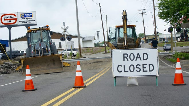 CSX crews began work on the first of two Red River Road railroad crossing upgrades Wednesday. The two crossings are among six in Gallatin planned for upgrades or removal.