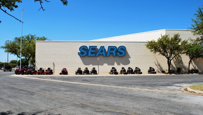 Exterior of San Angelo's Sears store located at the Sunset Mall.