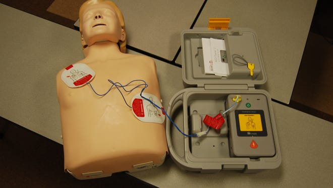 The Union Township Fire Department will offer free cardiopulmonary resuscitation (CPR) and automated external defibrillator (AED) training classes on six Saturdays this year, beginning Jan 19.