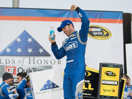 Jimmie Johnson makes history, wins at Dover