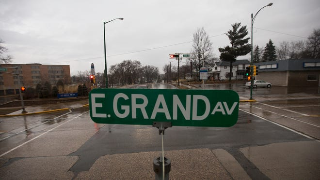 The intersection of East Grand Avenue and Lincoln and Jackson Streets in Wisconsin Rapids, Tuesday, March 8, 2016.