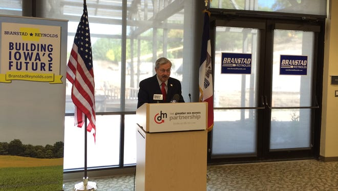 Iowa Gov. Terry Branstad addresses a forum of the Greater Des Moines Partnership.