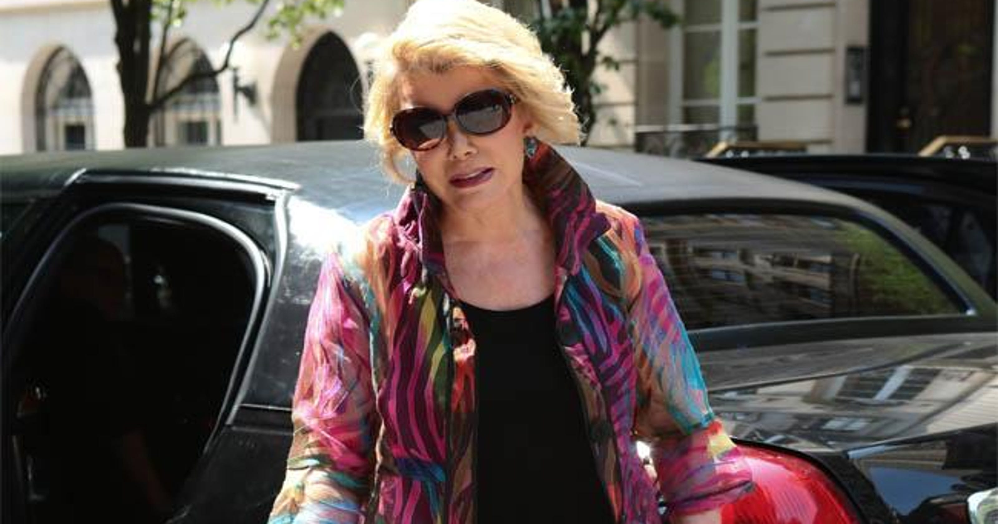 f63e2fbd4c2 Hollywood stars flock to Joan Rivers  funeral