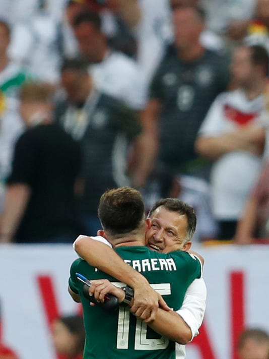 Russia_Soccer_WCup_Germany_Mexico_97468.jpg