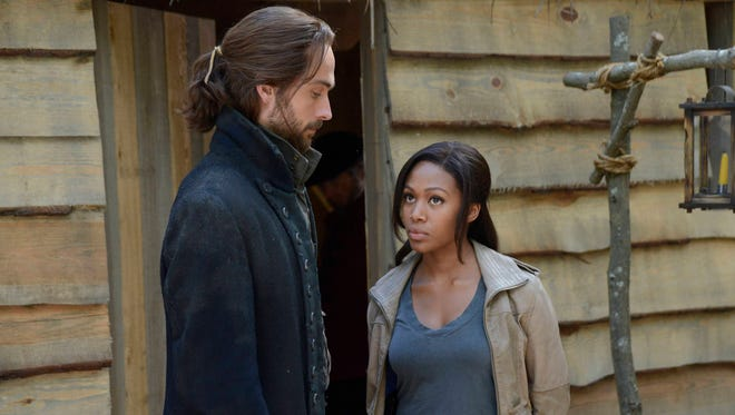 Seriously, what does a Revolutionary War-era brother have to do to get some new clothes up in here? It's time to give Ichabod (Tom Mison) some new threads.