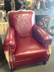 Santa Fe Furniture features uniqu pieces of custom built furniture.