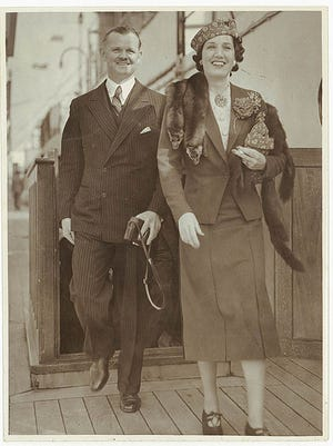Mr and Mrs Lawrence Tibbett arrive in Sydney, 1938.