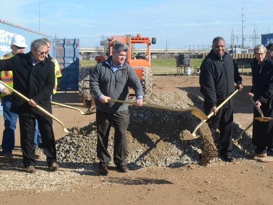 ANI D.G. Hunter Power Plant Alexandria City councilman Jim Villard (far left), Mayor Jaques Roy, city councilmenRoosevelt Johnson (second from right) and Harry Silver (right) break ground at a ceremony to add on to the D.G. Hunter Power Plant Thursday, Jan