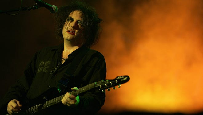 Robert Smith founded the Cure in 1976.