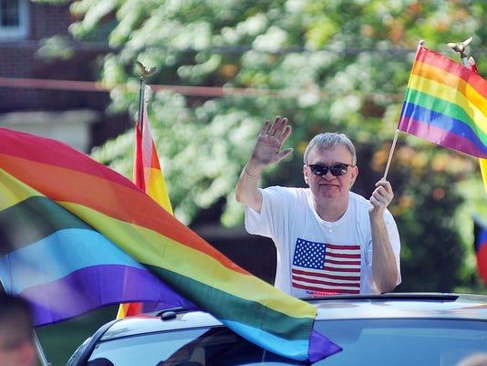 MNJ 0726 Gay Rights parade 001