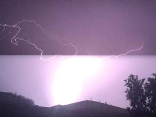 635804961624122268-Lightning