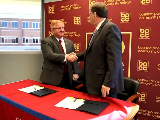 636210369937211051-PHOTO-2---Chancellor-Bateman-and-President-Guice.jpg