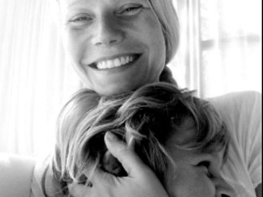 Gwyneth Paltrow and Moses (c) Twitter