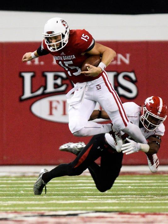 University of South Dakota, Youngstown State, football