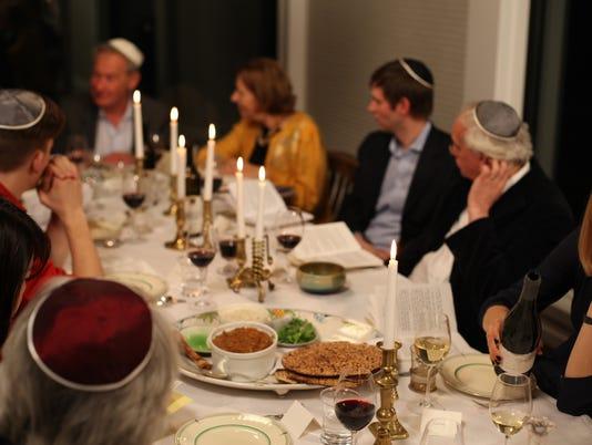 XXX STORY-OF-THE-JEWS-SEDER-157-.JPG ENT TEL