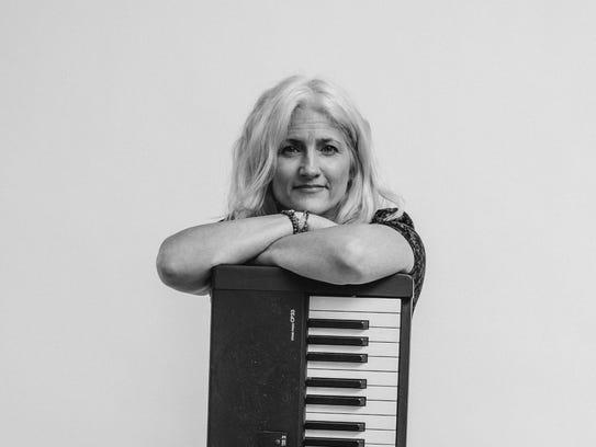 Thea Wren, a jazz quartet led by Cynthia Braren, performs