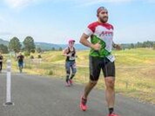 runner at the marathon in ruidoso