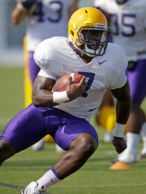 LSU freshman running back Leonard Fournette (7) runs through drills during practice in Baton Rouge, La. Fournette headlines another promising group looking to make an immediate impact.