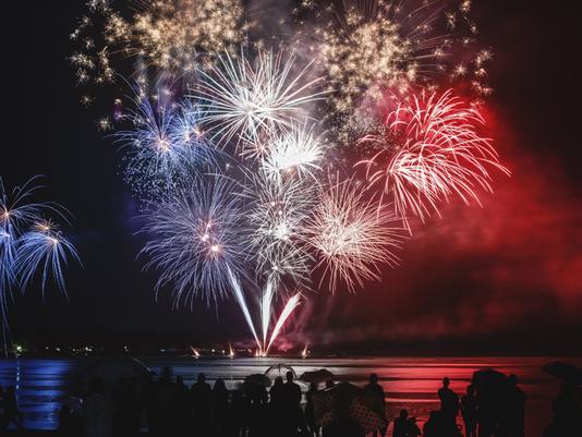 636646805551157170-Fireworks.png