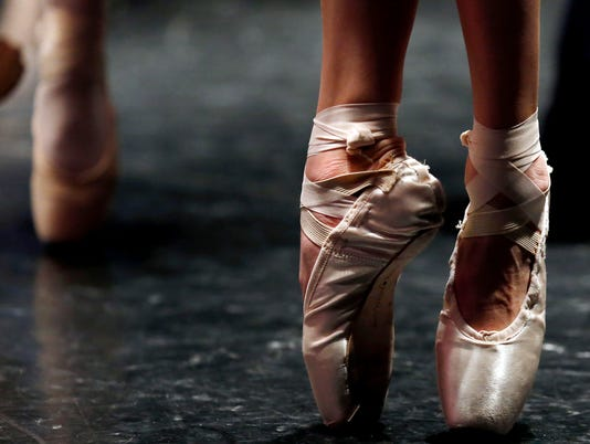 636221644492910748-Student-Dance-Competi-Arri.jpg