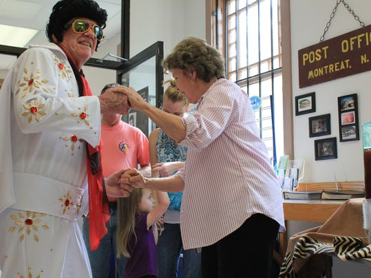 BMN 082715 Elvis impersonator LEAD