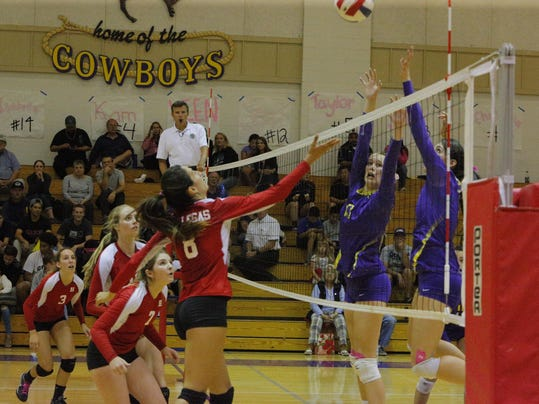 Hollister volleyball wins in 5 over Salinas