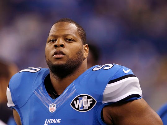 Lions Suh Football