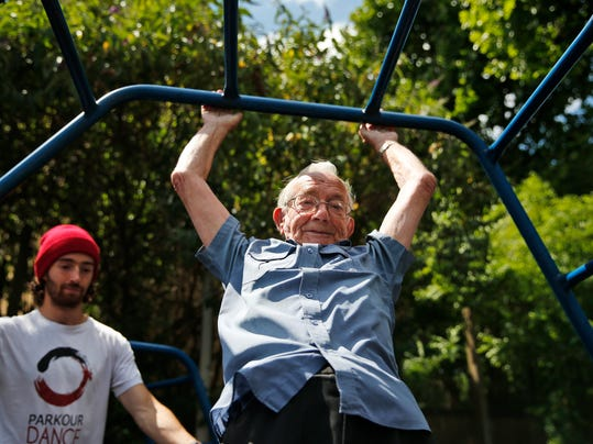 Britain Elderly Parko_Atki.jpg