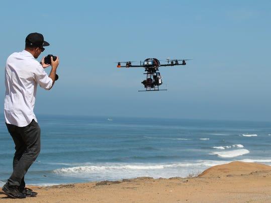 Movie Drones_Atki.jpg