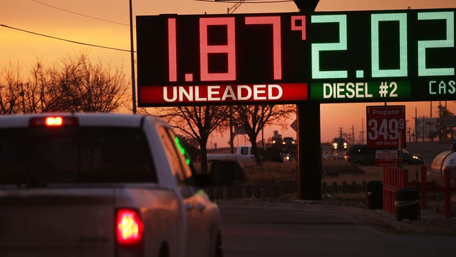 Low gas prices haven't provided the lift to consumer spending that economists anticipated.