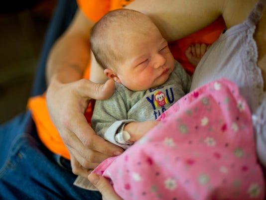 PTH0103 NEW YEAR BABY 2