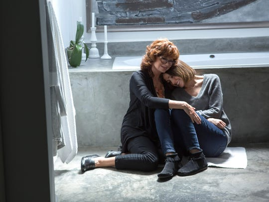 Susan Sarandon and Rose Byrne play a mother and daughter in 'The Meddler.'