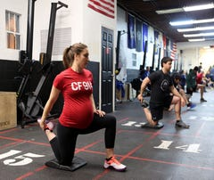 Kegels and kettlebells: Moms-to-be who work out