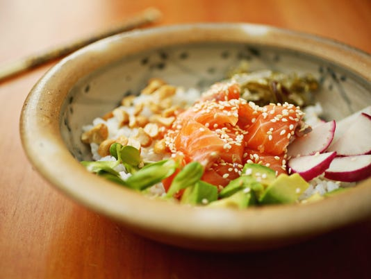 As poke bowl joints grow, learn how to make the Hawaiian specialty at home