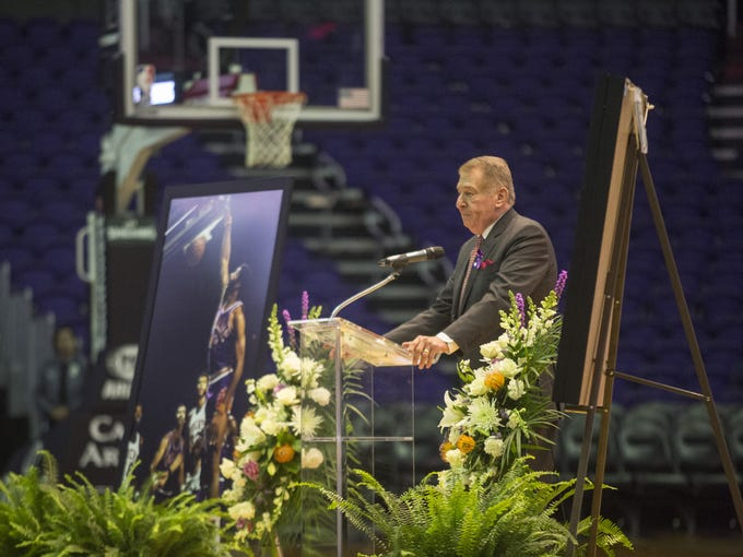Jerry Colangelo speaks at Connie Hawkins' memorial
