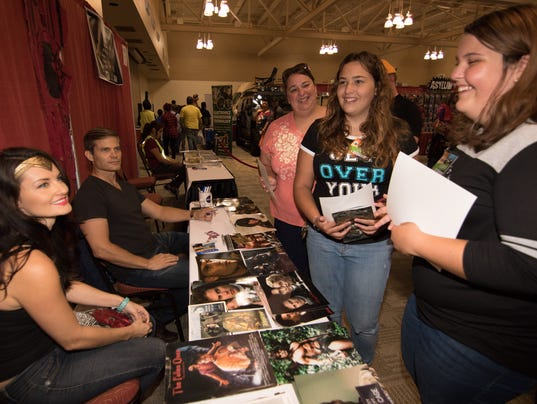 cosplay subculture dominates las cruces comic con. Black Bedroom Furniture Sets. Home Design Ideas