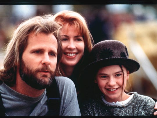 "Jeff Daniels, Dana Delany and Anna Paquin in ""Fly Away Home."""