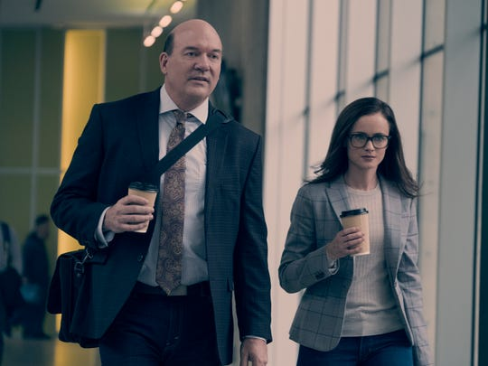 Dan (John Carroll Lynch) and Emily (Alexis Bledel)